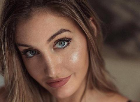 Julia Baessler InstaFitBio